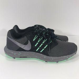 Nike Run Swift SE Black/Gun Smoke/Green
